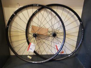 roues DT Swiss X 1700 Spline 22.5 29 pouces (2)